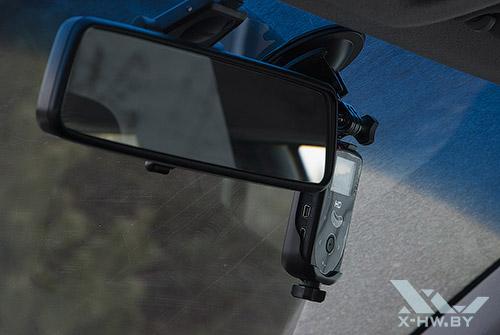 AdvoCam-HD1 в машине. Рис. 2