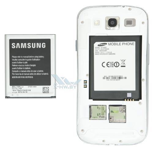 Samsung Galaxy S III со снятым аккумулятором