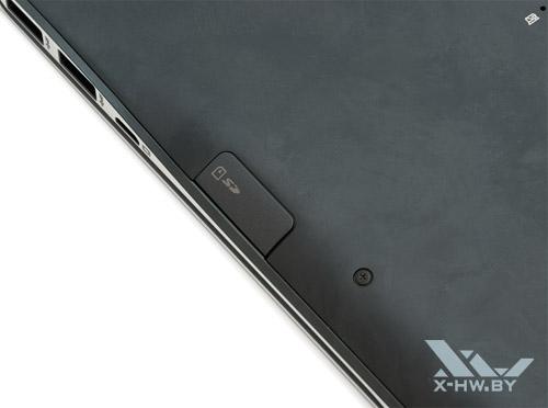 Слот для SD-карты на Samsung 900X4C