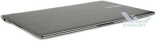 Samsung 900X4C. Общий вид спереди