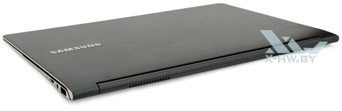 Samsung 900X3C. Общий вид сзади