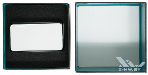 Упаковка Logitech Cube