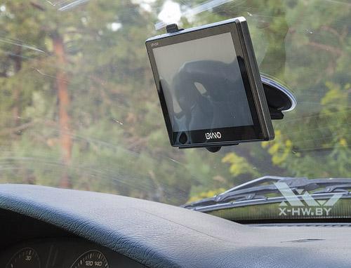 Крепление Lexand STR-7100 HDR в машине