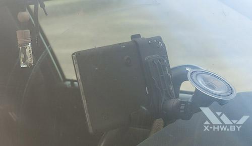 Lexand STR-7100 HDR в машине. Вид сзади