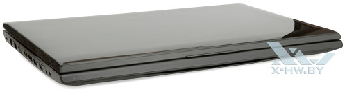Samsung Gamer 700G7A. Вид спереди