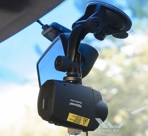 Крепление Highscreen Black Box Drive в машине