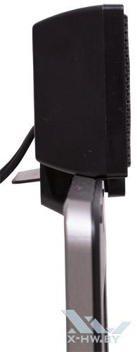 Microlab B51 на ноутбуке сбоку