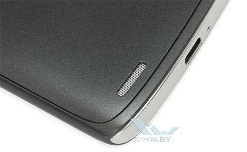 Динамик Sharp SH631W на задней крышке
