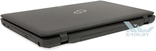 Fujitsu LIFEBOOK AH502. Вид сзади