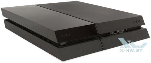 Sony PlayStation 4. Вид спереди