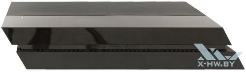 Sony PlayStation 4. Вид сбоку