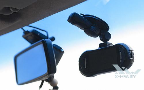 AdvoCam-FD6S Profi-GPS в автомобиле