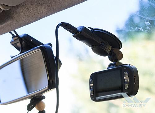 AdvoCam-FD8 Profi-GPS RED в машине