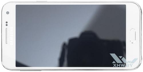 Samsung Galaxy E5. Вид сверху