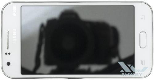 Samsung Galaxy J1. Вид сверху