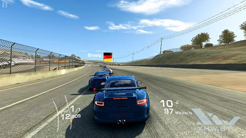 Игра Real Racing 3 на Senseit E400