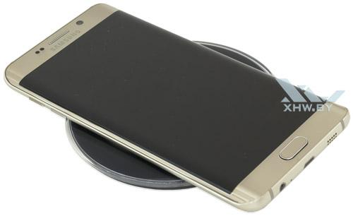 Samsung Galaxy S6 edge+ на беспроводной зарядке