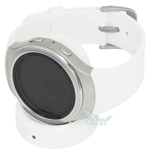 Samsung Gear S2 на зарядка