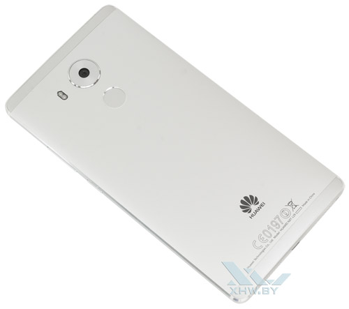 Huawei Mate 8. Вид сзади