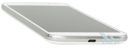 Motorola Moto G4. Нижний торец смартфона