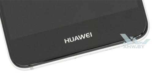 Под экраном Huawei Nova ничего нет