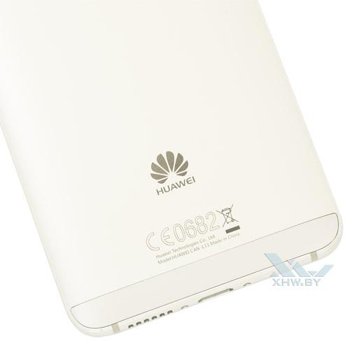 Логотип Huawei на Huawei Nova