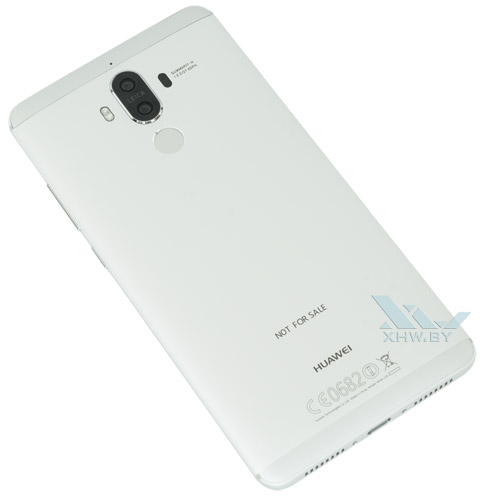 Huawei Mate 9. Вид сзади