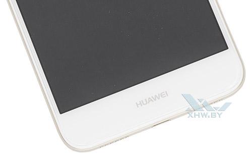 Под экраном Huawei P8 Lite (2017)
