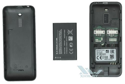 Крышка устанавливается у Nokia 130 Dual SIM легко