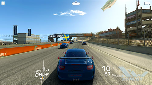 Игра Real Racing 3 на Huawei P10