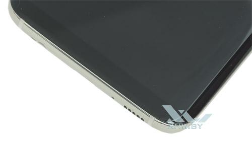 Под экраном Samsung Galaxy S8