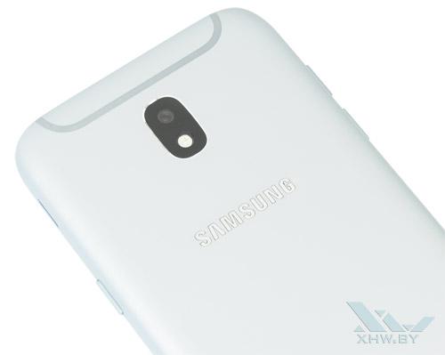 Камера на тыльной стороне Samsung Galaxy J5 (2017) имеет эффектную обводку