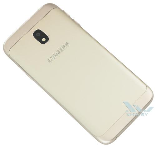 Кажется, у Samsung Galaxy J3 (2017) есть задняя крышка, но нет – аппарат не разбирается