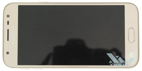 Samsung Galaxy J3 (2017) предлагается в модном «золотом» цвете, но есть и другие