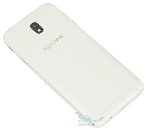 Samsung Galaxy J7 (2017) сделан из металла
