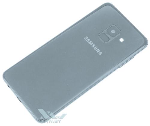 Samsung Galaxy A8 (2018). Вид сзади