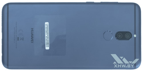 Huawei Mate 10 lite. Вид сзади