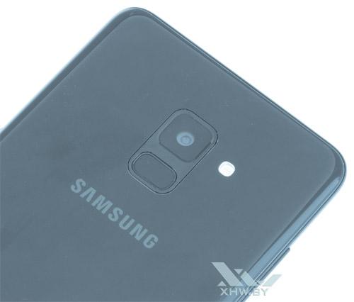 основная камера Samsung Galaxy A8+ (2018)