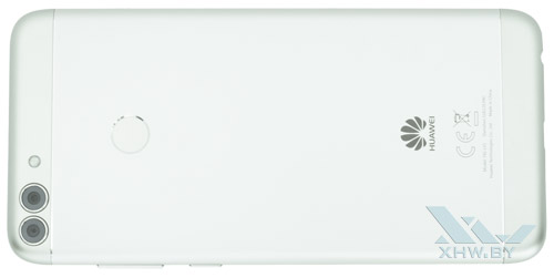 Huawei P smart. Вид сзади