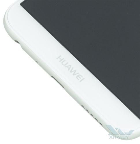 Надпись под экраном Huawei P smart