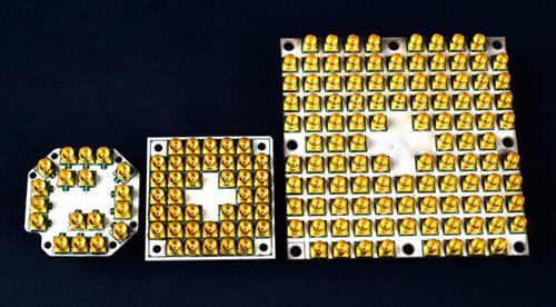 Так эволюционировали квантовые процессоры Intel. Число контактов соответствует кубитам