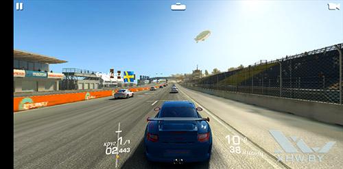 Игра Real Racing 3 на Huawei P20 Lite