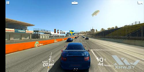 Игра Real Racing 3 на Huawei P20
