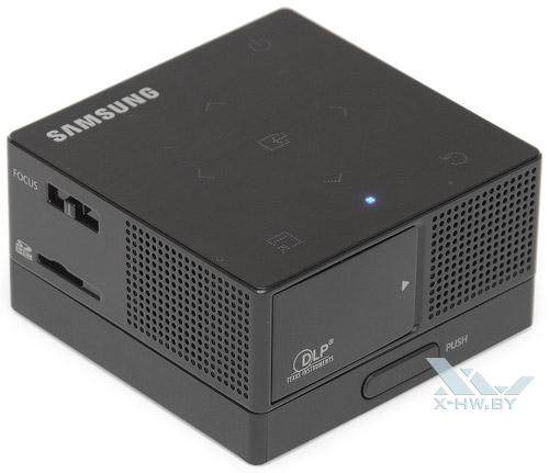 Samsung SP-H03 с аккумулятором. Вид сзади
