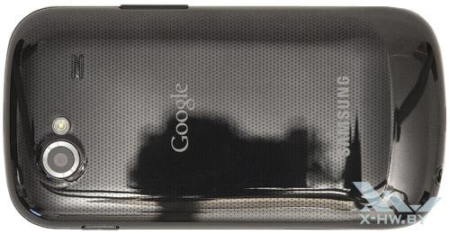 Google Nexus S. Вид сзади