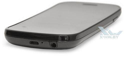 Google Nexus S. Нижний торец