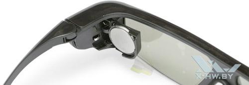 Открытый отсек батарей на 3D-очках Samsung T23A750