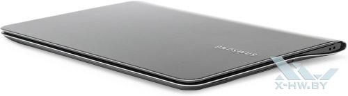 Закрытый Samsung 900X3A. Вид спереди