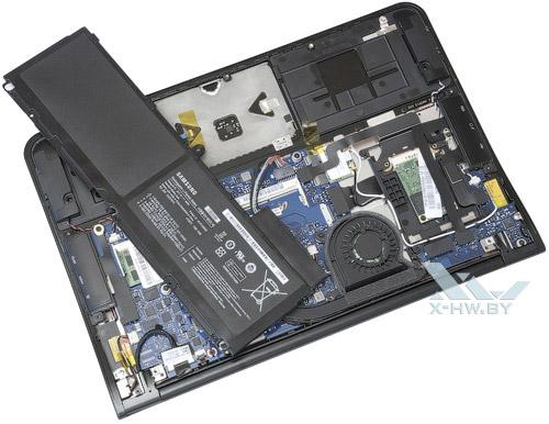 Samsung 900X3A со снятым аккумулятором