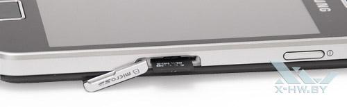 Samsung Galaxy Ace. Отсек для карты памяти microSD со вставленной картой